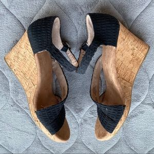 Toms Shoes - Toms Clarissa black wedge
